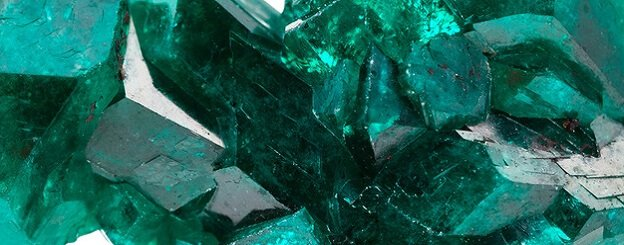 magic-precious-stone-emerald